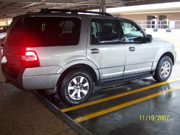 This 2007 expedition resides in houston and gets a weekly handwash.